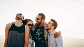 Casado o solteros, los hombres deben salir con sus amigos dos veces por semana: estudio